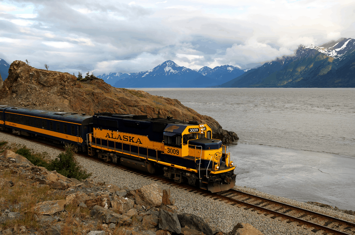 Alaskan train on the Turnagain Arm